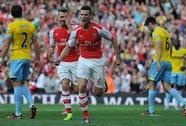 """Ghi bàn phút 90, Ramsey """"cứu"""" Arsenal trận mở màn"""