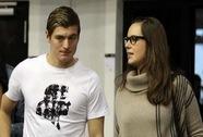 Toni Kroos phải trả 25.000 bảng Anh/tháng cho Torres