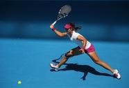 Ngược dòng trước Safarova, Li Na giành vé vào vòng 4