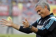 Chelsea khởi đầu không như ý, Mourinho ưu tư