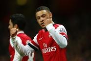 Tiểu tướng lập công, Arsenal đòi lại ngôi đầu