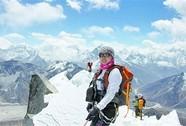 """Người Trung Quốc chinh phục Everest """"bằng trực thăng"""""""