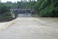 Xây cầu Khe Ang tại nơi lũ cuốn trôi ô tô làm 5 người thiệt mạng