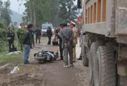 Ngã xuống đường, trung úy công an bị xe tải cán chết