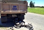 Đi ăn giỗ, 3 người bị xe tải tông chết
