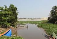 Xác thanh niên có vết chém sâu nổi trên sông Sài Gòn