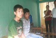 Hai thanh niên đào thoát khỏi bãi vàng khổ sai