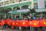 Hàng ngàn thanh niên, sinh viên mít tinh phản đối Trung Quốc