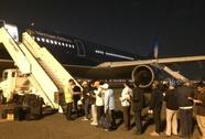 186 lao động ở Libya lên máy bay về Việt Nam