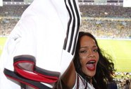 Rihanna vô tình gửi thông điệp chính trị?
