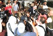 "Kim ""siêu vòng ba"" bị bao vây ở sân bay"