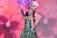 Miley Cyrus lại bị trộm đột nhập nhà lấy xe, nữ trang