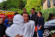 Gia đình tài tử Rob Lowe khốn đốn tại Pháp