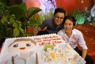 Hoài Linh xúc động trong sinh nhật con nuôi Hoài Lâm