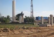 Xẻ đất tượng đài làm nhà ở