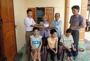 Giúp đỡ gia đình có 3 con bị dị tật bẩm sinh