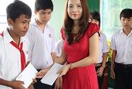 Trao 50 học bổng cho học sinh nghèo