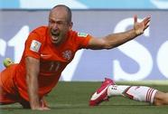 Robben mệt mỏi vì bị chỉ trích ăn vạ