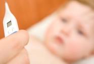 Trẻ 6 tháng bị hoại tử buồng trứng