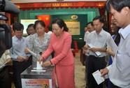 Người lao động Bia Sài Gòn chung sức vì biển Đông