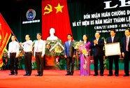 LĐLĐ Bình Định đón nhận Huân chương Độc Lập hạng Ba