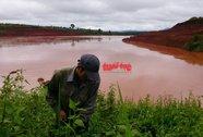 Bô xít Tân Rai: Bùn đỏ tràn ra đường