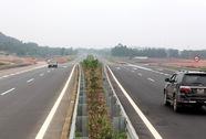 Phí đường cao tốc Nội Bài-Lào Cai cao nhất 1.220.000 đồng/lượt xe ô tô
