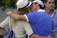 Wozniacki nhận nhẫn đính hôn từ golf thủ McIlroy