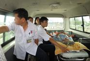 Xem pháo bông… trên xe cấp cứu!