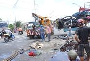 Xe khách tông xe máy, 3 người chết tại chỗ