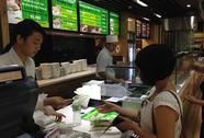 Hàng ăn trong sân bay đã giảm giá