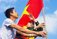 Tặng 3.000 cờ Tổ quốc cho ngư dân Trường Sa