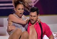 """Chia tay """"phi công trẻ"""", Jennifer Lopez có ngay tình mới?"""