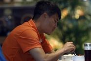 """""""Đột nhập"""" bữa ăn 1,5 triệu đồng/người của ĐTQG Việt Nam"""