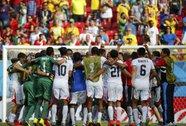 Costa Rica thắng Ý, loại luôn Anh