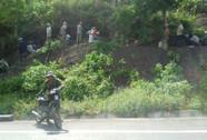 Hàng trăm người xới tung chân đèo Mang Yang tìm huỳnh đàn