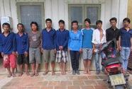 """Hỗn chiến, đem theo 12 dao Thái Lan để """"xử"""" đối phương"""