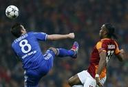 Torres ghi bàn, Chelsea hòa nhạt