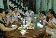 Mâm cơm kết nối gia đình