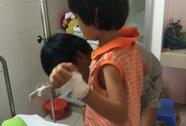 Bắt khẩn cấp bí thư chi bộ liên quan vụ hiếp dâm bé 6 tuổi