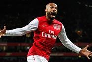 """Huyền thoại Henry của Arsenal tuyên bố """"treo"""" giày"""