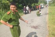 Một thanh niên chết ven đường, bị đâm 15 nhát