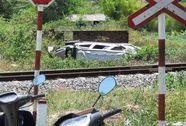 Tàu hỏa đâm ô tô, 6 người trọng thương