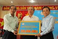 100 triệu đồng ủng hộ Hoàng Sa - Trường Sa