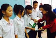 643 học sinh nghèo nhận học bổng Nguyễn Hữu Thọ