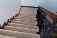 Ngã từ cầu thang tầng 10 xuống tầng 8, du khách Nga tử nạn