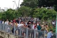 Tá hỏa phát hiện xác nam giới trôi trên kênh Nhiêu Lộc