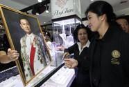 Ông Thaksin khuyên bà Yingluck nghỉ ngơi 1 năm?