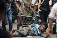 Trung Quốc: Làm giàu từ nô lệ ăn xin