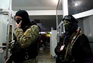 Các tay súng chiếm đồn cảnh sát ở Đông Ukraine